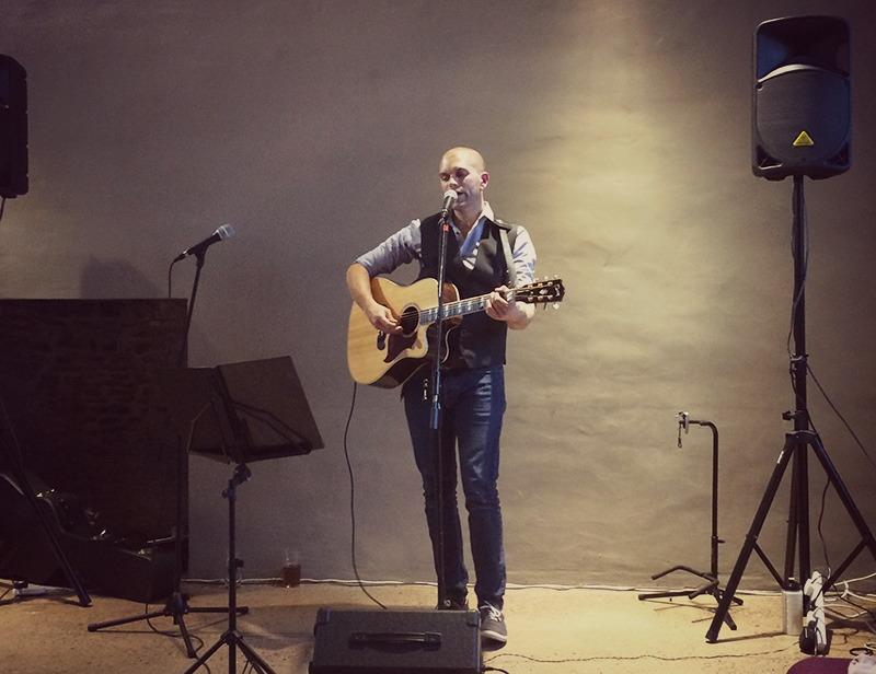 Image of Pat playing at Nailsea Tithe Barn