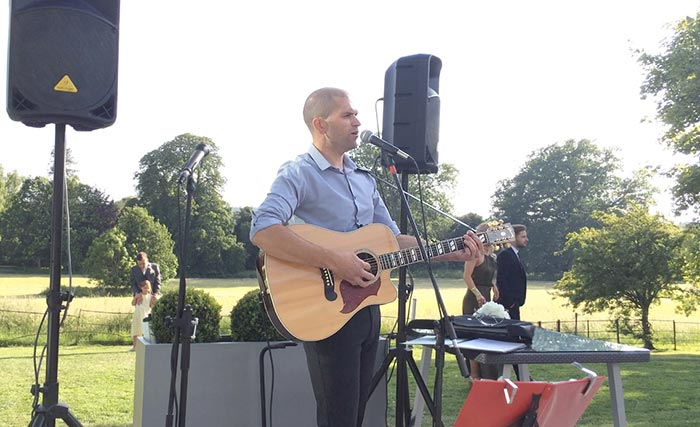 image: Singer and Guitarist - live wedding entertainment