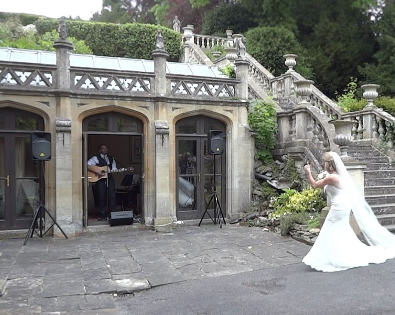 image: wedding guitarist