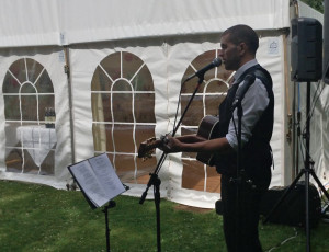 image: Devon wedding guitarist