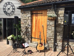 Live acoustic music at Aldwick Court Farm