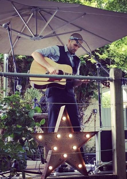 acoustic guitarist Devon
